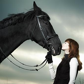 クリアステーブルで人馬一体になった感動や馬とのふれあいを楽しんで欲しいです。